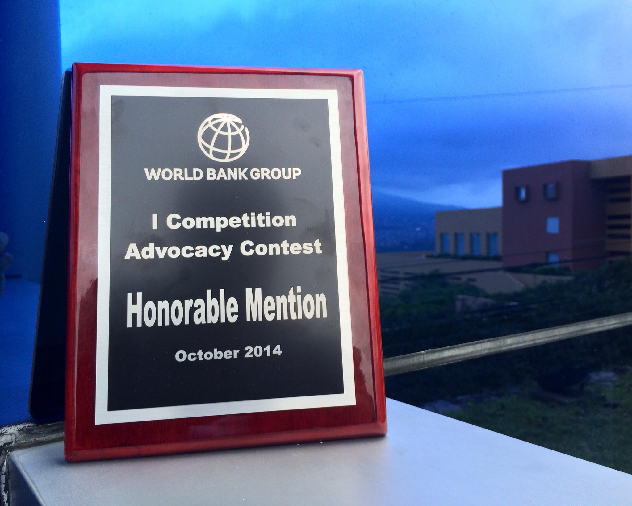La Guía práctica para promover la competencia en normas fue un proyecto premiado por el Banco Mundial y la Red internacional de Competencia en 2013 con una mención honorífica.